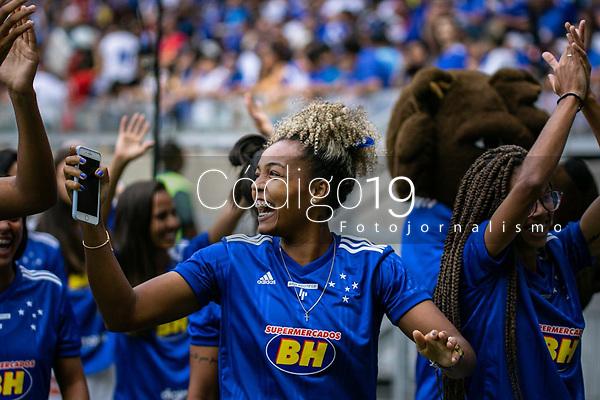 Belo Horizonte (MG), 09/02/2020- Cruzeiro-America - Time feminino do Cruzeiro se apresenta para a torcida antes de estreia no campeonato brasileiro A1 - partida entre Cruzeiro e America, válida pela 5a rodada do Campeonato Mineiro no Estadio Mineirão em Belo Horizonte neste domingo (09)