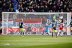Nederland, Utrecht, 5 april 2015<br /> Eredivisie<br /> Seizoen 2014-2015<br /> FC Utrecht-Ajax (1-1)<br /> FC Utrecht scoort de gelijkmaker. Doelman Jasper Cillessen van Ajax  is kansloos