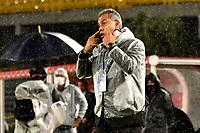 BOGOTA - COLOMBIA, 10-11-2020: Hernan Torres, tecnico de Deportes Tolima, gesticula durante partido de la fecha 19 entre Independiente Santa Fe y Deportes Tolima, por la Liga BetPlay DIMAYOR 2020 en el estadio Nemesio Camacho El Campin de la ciudad de Bogota. / Hernan Torres, coach of Deportes Tolima, gestures during a match of the 19th date between Independiente Santa Fe and Deportes Tolima, for the BetPlay DIMAYOR League 2020 at the Nemesio Camacho El Campin Stadium in Bogota city. / Photo: VizzorImage / Luis Ramirez / Staff.
