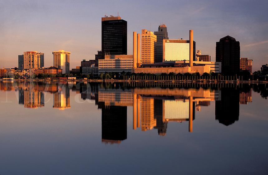 Skyline of Toledo, Ohio at sunrise, Maumee River.