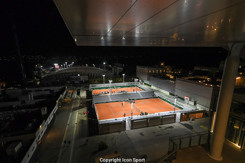 General view at night during the day four of the Tennis French Open on September 30, 2020 in Paris, France. (Photo by Baptiste Fernandez/Icon Sport) - --- - Roland Garros - Paris (France)