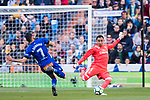 Goalkeeper Keylor Navas (R) of Real Madrid competes for the balding Ruben Sobrino Pozuelo of Deportivo Alaves during the La Liga 2017-18 match between Real Madrid and Deportivo Alaves at Santiago Bernabeu Stadium on February 24 2018 in Madrid, Spain. Photo by Diego Souto / Power Sport Images