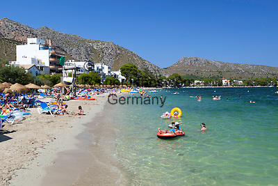 Spain, Mallorca, Port de Pollenca: view along beach   Spanien, Mallorca, Port de Pollenca (Puerto Pollensa): Strand