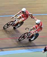 CALI – COLOMBIA – 19-02-2017: Casper Von Folsach y Niklas Larsen de Dinamarca, gana medalla de oro en la prueba Madison Varones en el Velodromo Alcides Nieto Patiño, sede de la III Valida de la Copa Mundo UCI de Pista de Cali 2017. / Casper Von Folsach and Niklas Larsen from Dinamarca, win a gold medal in the Men´s Madison Race at the Alcides Nieto Patiño Velodrome, home of the III Valid of the World Cup UCI de Cali Track 2017. Photo: VizzorImage / Luis Ramirez / Staff.