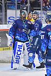 Colton Jobke (Nr.7 - ERC Ingolstadt) jubelt nach dem Schlusspfiff mit Torwart Jochen Reimer (Nr.32 - ERC Ingolstadt) beim Spiel in der DEL, ERC Ingolstadt (dunkel) - Duesseldorfer EG (hell).<br /> <br /> Foto © PIX-Sportfotos *** Foto ist honorarpflichtig! *** Auf Anfrage in hoeherer Qualitaet/Aufloesung. Belegexemplar erbeten. Veroeffentlichung ausschliesslich fuer journalistisch-publizistische Zwecke. For editorial use only.