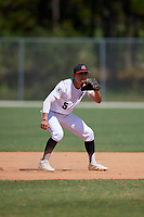 Ismael Lopez during the WWBA World Championship at the Roger Dean Complex on October 20, 2018 in Jupiter, Florida.  Ismael Lopez is a shortstop from Fort Worth, Texas who attends Arlington Heights High School.  (Mike Janes/Four Seam Images)