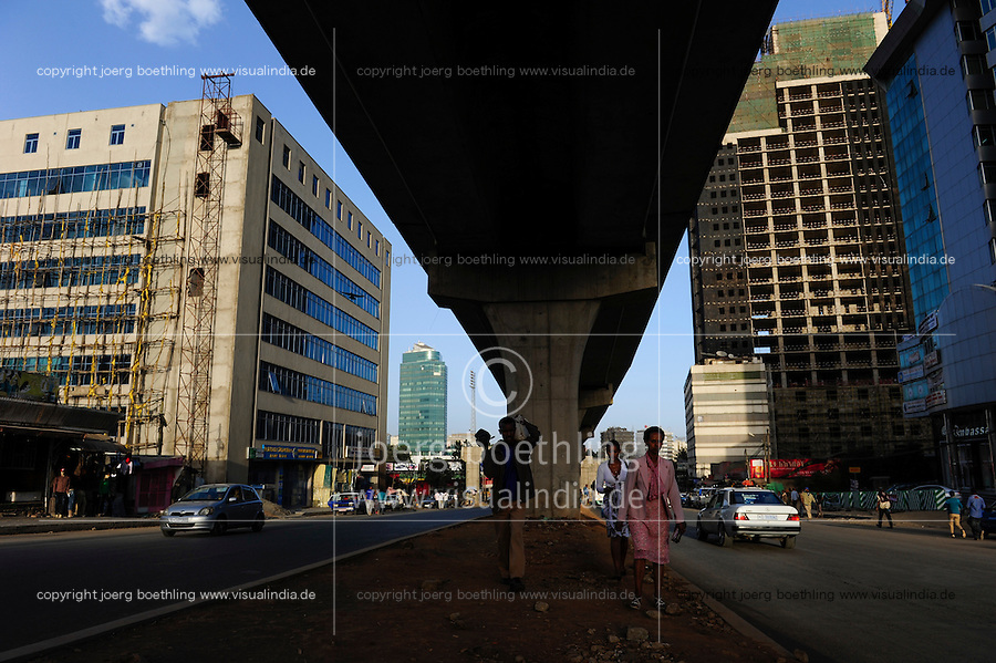 ETHIOPIA, Addis Ababa, construction of light rail network by CREC China Railway Engineering Corporation / AETHIOPIEN, Addis Abeba, Bau einer S-Bahn durch China Railway Engineering Corporation, CREC