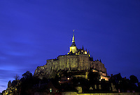 Lemont -St- Michel at night.<br />
