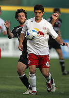 APR 02, 2006: Washington, DC: Ben Olsen, Carlos Mendes