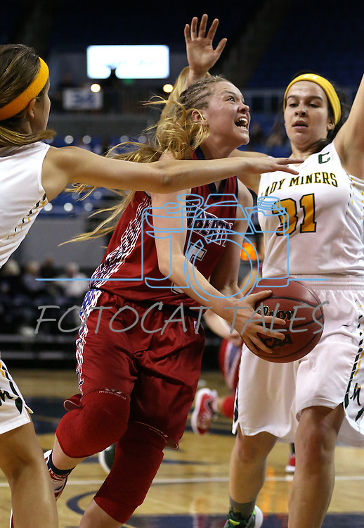Liberty's London Pavlica drives past Manogue defenders Katie Turner, left, and Hanna Bingham during the NIAA Division I state basketball tournament in Reno, Nev. on Thursday, Feb. 25, 2016. Liberty won 59-53. Cathleen Allison/Las Vegas Review-Journal