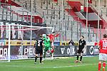 Spahic (Torwart-FCK) vor Derstroff (HFC) beim Spiel in der 3. Liga, Hallescher FC - 1. FC Kaiserslautern.<br /> <br /> Foto © PIX-Sportfotos *** Foto ist honorarpflichtig! *** Auf Anfrage in hoeherer Qualitaet/Aufloesung. Belegexemplar erbeten. Veroeffentlichung ausschliesslich fuer journalistisch-publizistische Zwecke. For editorial use only. DFL regulations prohibit any use of photographs as image sequences and/or quasi-video.