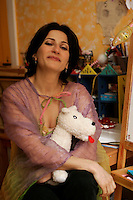 April 4 2005, Montreal (Qc) Canada EXCLUSIVE PHOTO<br /> Nathalie Choquette, opera singer, in her Montreal home<br /> Nathalie Choquette, chanteuse d'opÈra, chez elle ‡ MontrÈal<br /> Photo : (c) 2004 Pierre Roussel