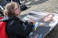 """Demostration unter dem Motto """"Inklusion statt Selektion"""" mit Menschen mit Down-Syndrom am Mittwoch den 10. April 2019 in Berlin.<br /> Einen Tag vor der Debatte im Deutschen Bundestag ueber den Nutzen nichtinvasiver Bluttests zur Diagnose von Trisomien wie etwa dem Down-Syndrom und die Einfuehrung eines solchen Test auf Kosten der Krankenkassen demonstrierten mehrere hundert Menschen gegen diese Debatte. Unter ihnen viele Betroffene, Elter wie Kinder, die vom Downsyndrom betroffen sind.<br /> Im Bild: Natalie Dedreux (20) Koelner Aktivistin mit Down-Syndrom. <br /> 10.4.2019, Berlin<br /> Copyright: Christian-Ditsch.de<br /> [Inhaltsveraendernde Manipulation des Fotos nur nach ausdruecklicher Genehmigung des Fotografen. Vereinbarungen ueber Abtretung von Persoenlichkeitsrechten/Model Release der abgebildeten Person/Personen liegen nicht vor. NO MODEL RELEASE! Nur fuer Redaktionelle Zwecke. Don't publish without copyright Christian-Ditsch.de, Veroeffentlichung nur mit Fotografennennung, sowie gegen Honorar, MwSt. und Beleg. Konto: I N G - D i B a, IBAN DE58500105175400192269, BIC INGDDEFFXXX, Kontakt: post@christian-ditsch.de<br /> Bei der Bearbeitung der Dateiinformationen darf die Urheberkennzeichnung in den EXIF- und  IPTC-Daten nicht entfernt werden, diese sind in digitalen Medien nach §95c UrhG rechtlich geschuetzt. Der Urhebervermerk wird gemaess §13 UrhG verlangt.]"""