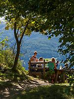 Wanderer bei Schloss Juval, Vinschgau, Region Südtirol-Bolzano, Italien, Europa<br /> Castle inn Reinhold Messner Museum Castle Juval, Hiker near Region South Tyrol-Bolzano, Italy, Europe