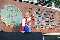 SPEED SKATING: SALT LAKE CITY: 22-11-2015, Utah Olympic Oval, ISU World Cup, 500m, Pavel Kulizhnikov (RUS) points at his World Record: 33,98, ©foto Martin de Jong