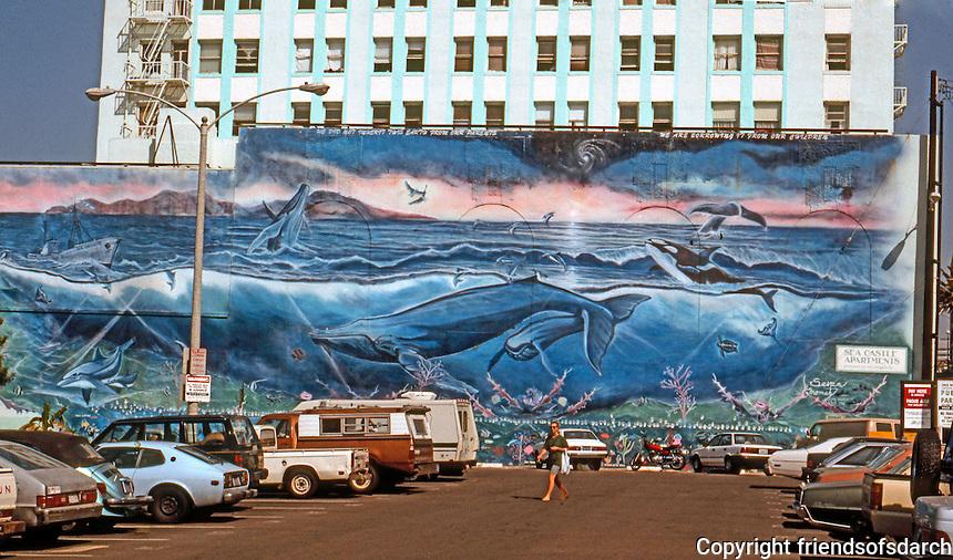 Santa Monica CA: Mural.  Photo '91.