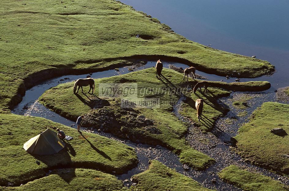 Europe/France/Aquitaine/64/Pyrénées-Atlantiques/Parc National des Pyrénées: Camping sauvage  au lac d'Ayous