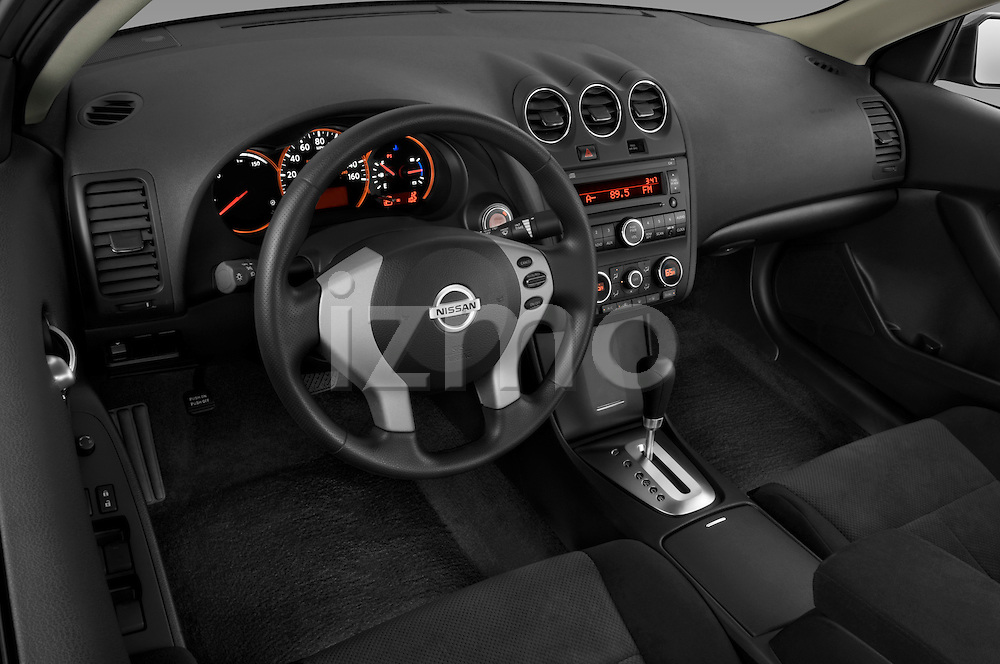 High angle dashboard view of a 2009 Nissan Altima Hybrid
