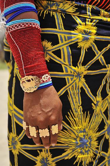 Indígenas guna / comarca de Guna Yala, Panamá.<br /> <br /> Indígena con falda estampada.