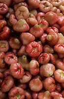 Asie/Malaisie/Kuala Lumpur: Détail étal de Jambu ou pomme d'eau sur le marché