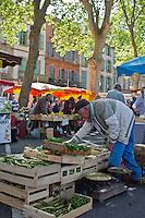 Europe/France/Midi-Pyérénées/82/Tarn-et-Garonne/Montauban: Le Marché des producteurs situé sur l' Esplanade du Jardin des Plantes