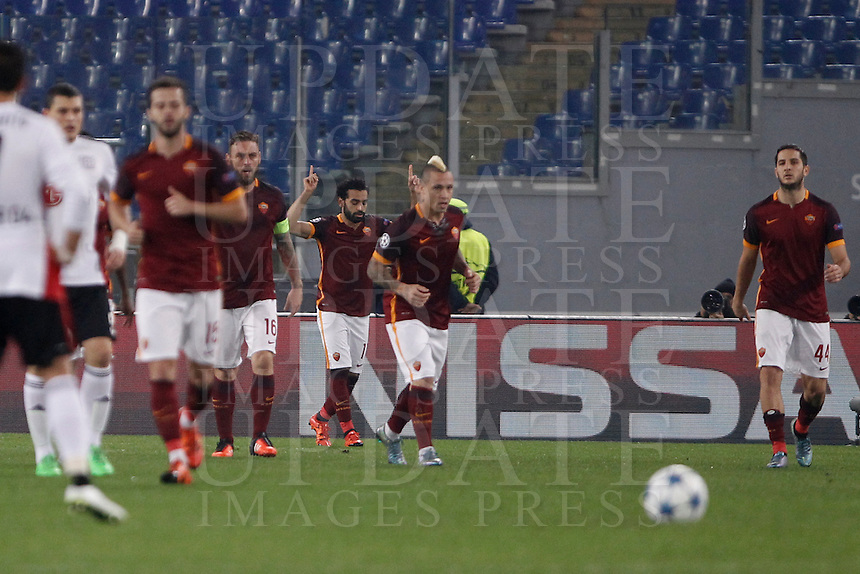 Calcio, Champions League, Gruppo E: Roma vs Bayer Leverkusen. Roma, stadio Olimpico, 4 novembre 2015.<br /> Roma's Mohamed Salah, third from right, celebrates after scoring during a Champions League, Group E football match between Roma and Bayer Leverkusen, at Rome's Olympic stadium, 4 November 2015.<br /> UPDATE IMAGES PRESS/Isabella Bonotto