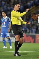 BOGOTA- COLOMBIA -02 -02-2014: Wilmer Roldan, arbitro durante partido de la segunda fecha de la Liga Postobon I 2014, jugado en el Nemesio Camacho El Campin de la ciudad de Bogota. / Wilmer Roldan, referee during a match for the second date of the Liga Postobon I 2014 at the Nemesio Camacho El Campin Stadium in Bogoto city. Photo: VizzorImage  / Luis Ramirez / Staff