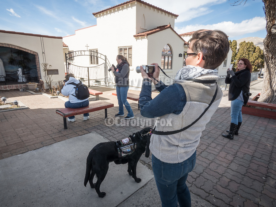 Stacy Pearsall walks with her class of photographers at #ShootingTheWest XXX, #WinnemuccaNevada, #StacyPearsall