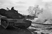 - NATO exercises in Germany, US Army M 60 tank (January 1986)....- esercitazioni NATO in Germania, carro armato M 60  dell'U.S.Army (gennaio 1985)