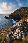 United Kingdom, England, Cornwall, St Ives: Engine houses of the Botallack Mine and rugged coastline | Grossbritannien, England, Cornwall, Botallack, bei St Just: Maschinenhaeuser der Botallack Mine