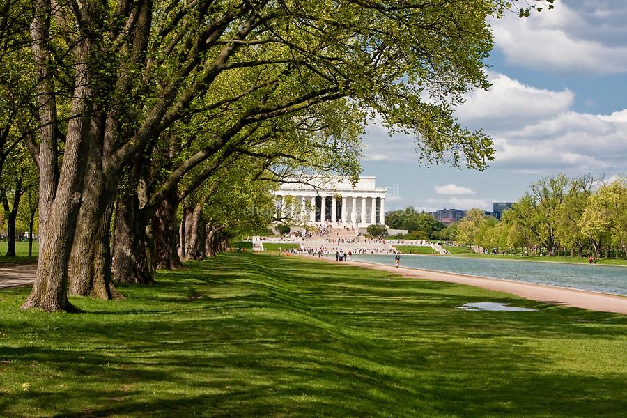 Washington, D.C.  Lincoln Memorial and Reflecting Pool.