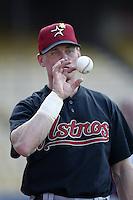 Craig Biggio of the Houston Astros before a 2002 MLB season game against the Los Angeles Dodgers at Dodger Stadium, in Los Angeles, California. (Larry Goren/Four Seam Images)