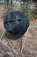 Composting with tumbling rotating compost bin