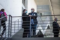 """107. Sitzung des """"1. Untersuchungsausschuss"""" der 19. Legislaturperiode des Deutschen Bundestag am Donnerstag den 5. November 2020 zur Aufklaerung des Terroranschlag durch den islamistischen Terroristen Anis Amri auf den Weihnachtsmarkt am Berliner Breitscheidplatz im Dezember 2016.<br /> Als Zeugen waren unter anderem der Praesident des Bundeskriminalamtes, Holger Muench, der Praesident des Bundesnachrichtendienstes Dr. Bruno Kahl, ein nichtoeffentlicher Zeuge des Bundesamt fuer Verfassungsschutz und der Rechtsextremist und Pegida-Gruender Lutz Bachmann geladen.<br /> Im Bild vlnr.: Astrid Passin, Sprecherin der Hinterbliebenen der Opfer des Terroranschlages vom Breitscheidplatz und Gerhard Zawatzki, Ueberlebende des Anschlag nehmen als Zuschauer an der Vernehmung teil.<br /> 5.11.2020, Berlin<br /> Copyright: Christian-Ditsch.de"""