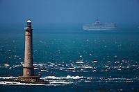 Europe/France/Normandie/Basse-Normandie/50/Manche/Presqu'île de la Hague/Goury: Phare du Cap de la Hague et Ferry au large
