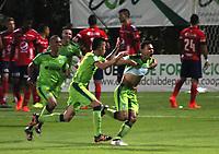 BOGOTA - COLOMBIA - 21 - 10 - 2017: Mauricio Restrepo  jugador de La Equidad celebra su gol contra el Independiente Medellín, durante partido entre La Equidad y el Indeendiente Medellín,  por la fecha 16 de la Liga Aguila II-2017, jugado en el estadio Metropolitano de Techo de la ciudad de Bogota. / Mauricio Restrepo  player of La Equidad celebrates his goal against of Independiente Medellin, during a match between La Equidad and Indepndiente Medellin, for the  date 16nd of the Liga Aguila II-2017 at the Metropolitano de Techo Stadium in Bogota city, Photo: VizzorImage  /Felipe Caicedo / Staff.