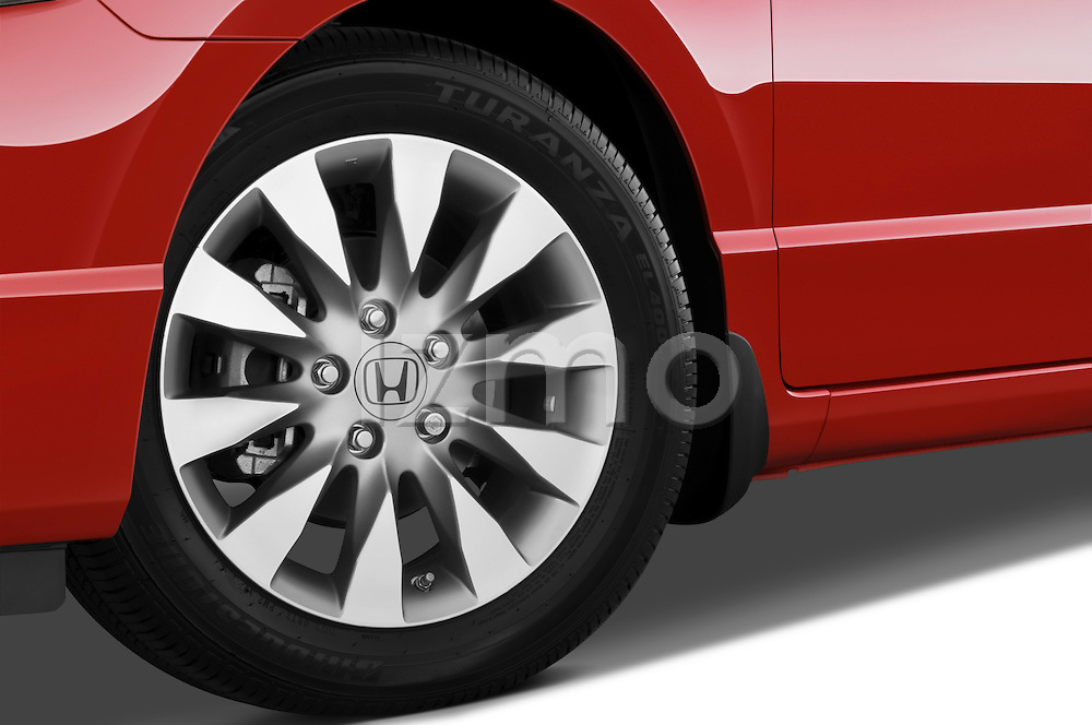 Tire and wheel close up detail view of a 2009 Honda Civic Coupe EX