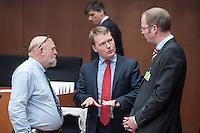 Zweiter Sitzungstag des 1. NSA-Untersuchungsausschuss am Donnerstag den 5. Juni 2014.<br /> Im Bild: Christian Flisek, Obmann der Bundestagsfraktion der SPD (Mitte) im Gespraech mit den Experten Prof. Douwe Korff (links) und Dr. Helmut Philip Aust (rechts).<br /> 5.6.2014, Berlin<br /> Copyright: Christian-Ditsch.de<br /> [Inhaltsveraendernde Manipulation des Fotos nur nach ausdruecklicher Genehmigung des Fotografen. Vereinbarungen ueber Abtretung von Persoenlichkeitsrechten/Model Release der abgebildeten Person/Personen liegen nicht vor. NO MODEL RELEASE! Don't publish without copyright Christian-Ditsch.de, Veroeffentlichung nur mit Fotografennennung, sowie gegen Honorar, MwSt. und Beleg. Konto:, I N G - D i B a, IBAN DE58500105175400192269, BIC INGDDEFFXXX, Kontakt: post@christian-ditsch.de]