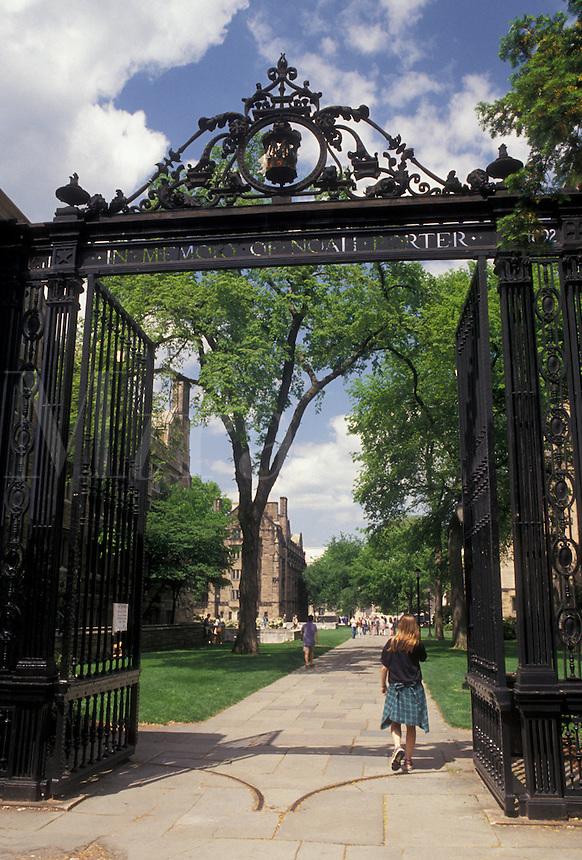 AJ4380, university, college, Yale, campus, New Haven, Connecticut, Entrance gate to Yale University campus in New Haven in the state of Connecticut.