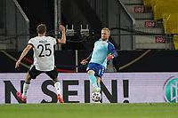 Torwart Kasper Schmeichel (Dänemark, Denmark) unter Druck von Thomas Mueller (Deutschland Germany) - Innsbruck 02.06.2021: Deutschland vs. Daenemark, Tivoli Stadion Innsbruck