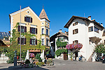Italy, Alto Adige - Trentino (South Tyrol), Community Appiano sulla Strada del Vino, district Cornaiano: village centre | Italien, Suedtirol, bei Bozen, Gemeinde Eppan, Ortsteil Girlan: Dorfzentrum