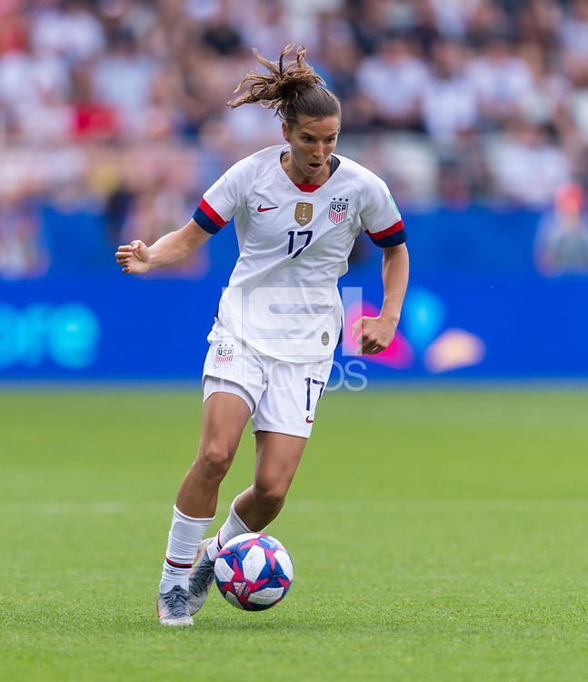 REIMS,  - JUNE 24: Tobin Heath #17 dribbles during a game between NT v Spain and  at Stade Auguste Delaune on June 24, 2019 in Reims, France.