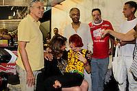 SAO PAULO, SP, 18 DE FEVEREIRO 2012 - CAMAROTE BAR BRAHMA -  Os cantores Caetano Veloso, Roberta Miranda, Rita Lee e Gilberto Gil, sao vistas no Camarote Bar Brahma, no primeiro dia de desfiles do Grupo Especial do Carnaval de Sao Paulo, na noite deste sabado 18, no Sambodromo do Anhembi regiao norte da capital paulista. (FOTO: MILENE CARDOSO - BRAZIL PHOTO PRESS).
