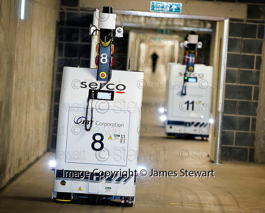 ::  SERCO :: FORTH VALLEY ROYAL HOSPITAL :: ROBOTS, PORTERING & WASTE :: ROBOTS ::