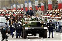 JACQUES CHIRAC - CEREMONIES DU 11 NOVEMBRE 2005 A L'ARC DE TRIOMPHE DE PARIS. #