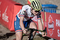 Zoe Backstedt (GBR) in the infamous Zonhoven 'Pit'<br /> <br /> Elite Women's Race<br /> 2021 UCI cyclo-cross World Cup - Zonhoven (BEL)<br /> <br /> ©kramon