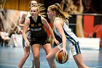 13-03-2021: Basketbal: Keijser Capital Martini Sparks v Grasshoppers: Haren Martini Sparks speelster Meike Koelman in duel met Grasshoppers speelster Ingrid van der Plas