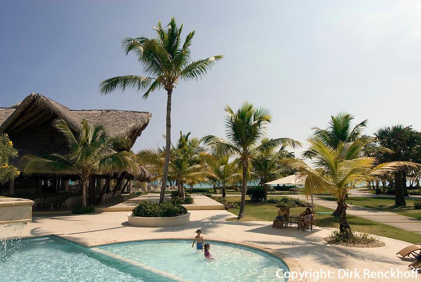 Dominikanische Republik, Pool im Punta Cana Beach Resort und Club