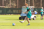 22.09.2020, Trainingsgelaende am wohninvest WESERSTADION - Platz 12, Bremen, GER, 1.FBL, Werder Bremen Training<br /> <br /> Joshua Sargent (Werder Bremen #19)<br />  ,Ball am Fuss, <br /> Querformat<br /> Einzelaktion, Ganzkörper / Ganzkoerper <br /> <br /> <br /> <br /> Foto © nordphoto / Kokenge