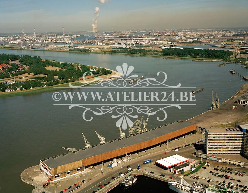 Augustus 1999. Kaaien Antwerpen.